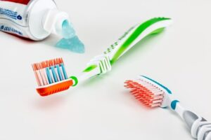 À quelle fréquence dois-je remplacer ma brosse à dents ? blog image